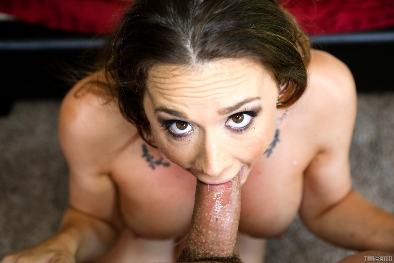 Brunette deepthroat videos